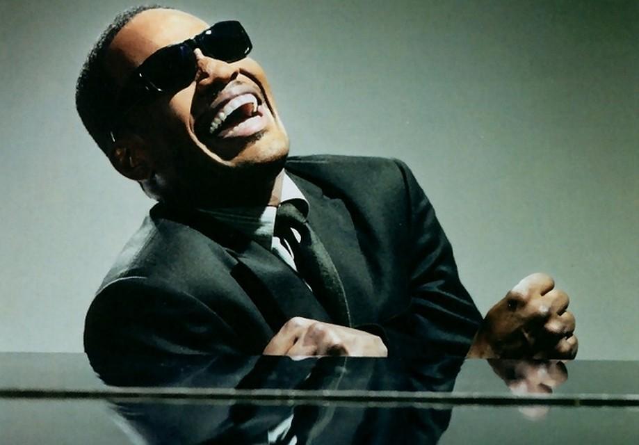 Рэй Чарльз, знаменитый американский слепой музыкант