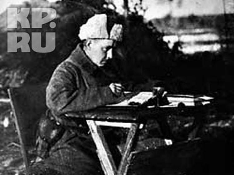 """Последние фронтовые впечатления - выход из окружения в Восточной Пруссии (январь 1945) - отразились в написанных в лагере поэме """"Прусские ночи"""" и пьесе """"Пир победителей"""" (обе 1951)"""