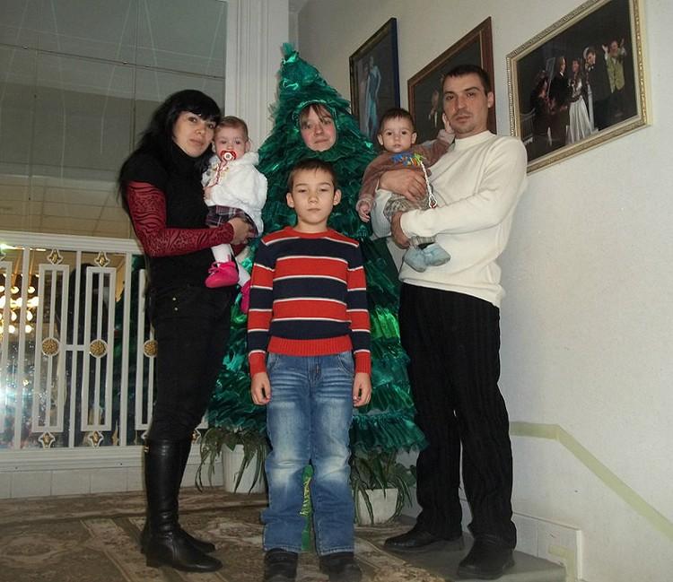 Счастливая семья зажила новой жизнью.