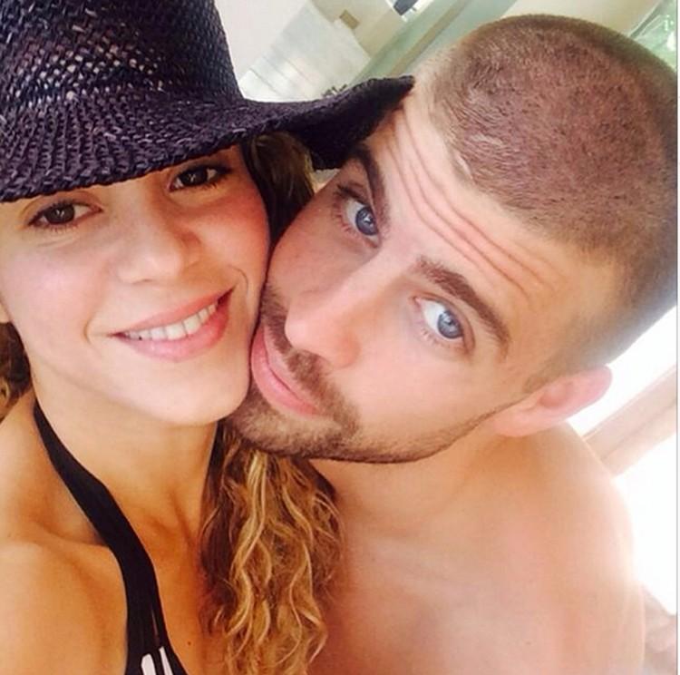 Пара выглядит счастливой и старается как можно больше времени проводить вместе.
