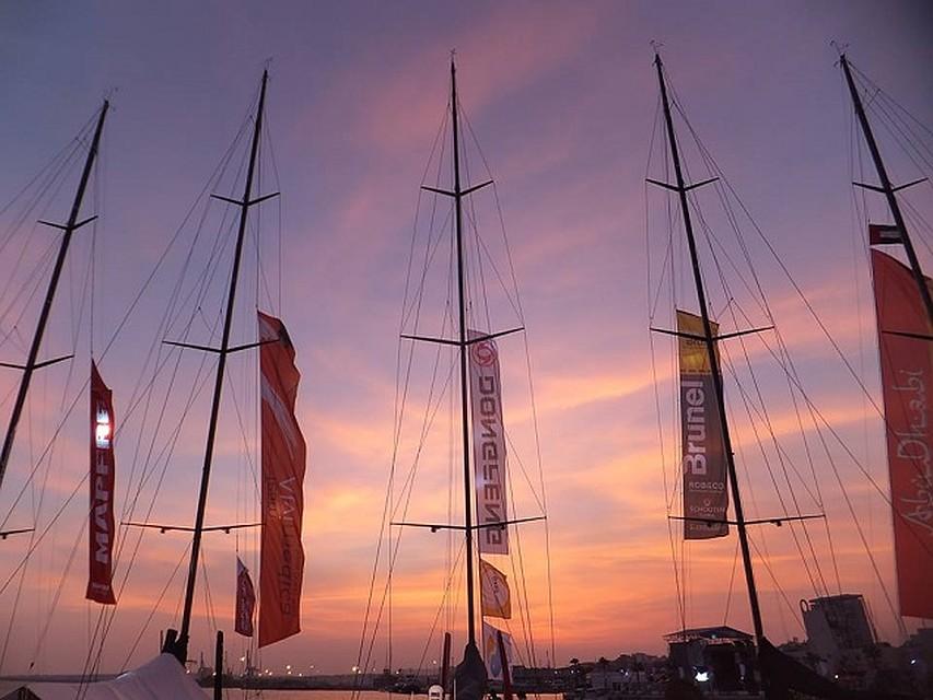 Море, яхта, девушка