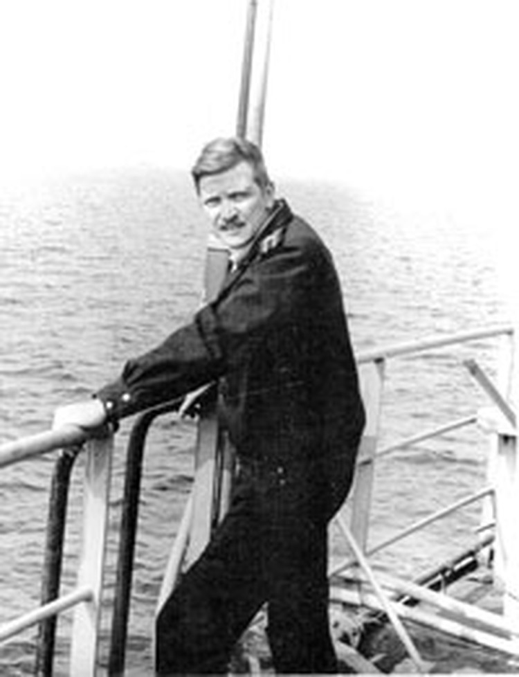 Алексей Баданин на флоте. На переходе в Северном море. 1985 год.  Фото из архива владыки Митрофана.