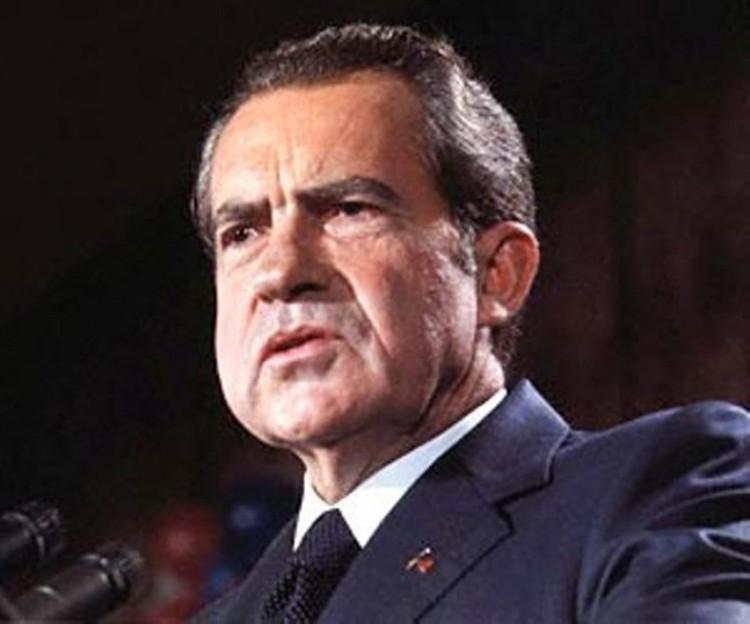 Штаты устами президента Никсона фактически отказались от привязки доллара к золоту