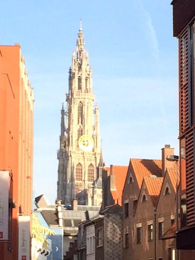 Антверпен - живописный город в Бельгии.
