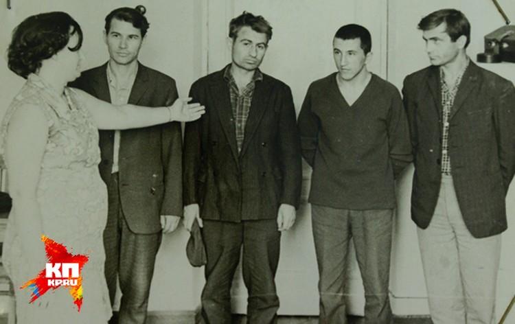 Подрывника опознали чудом выжившие в салоне ЛАЗа. Фото: материалы уголовного дела