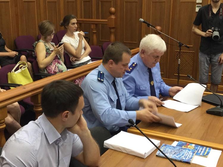 Прокурор области Александр Войтович (справа) просит для Планкова 18 лет лишения свободы, а для Валишина - на год меньше