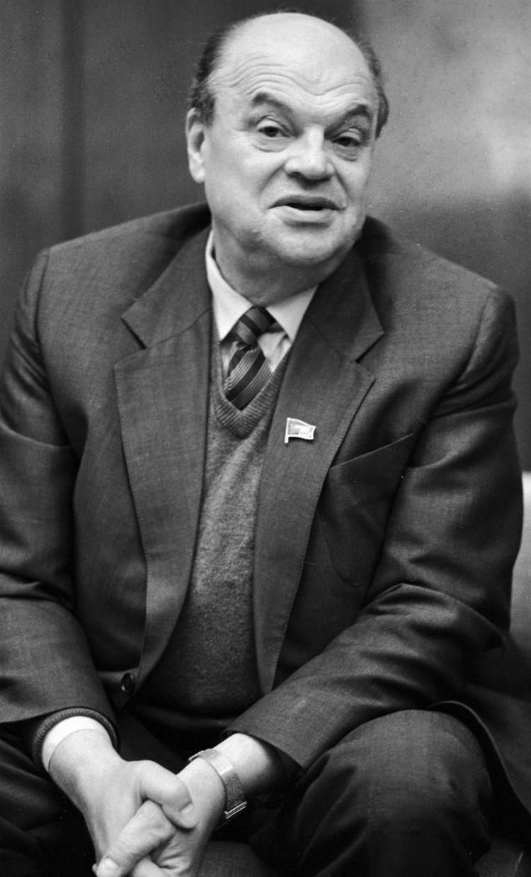 Николай Басов возглавил Физический институт и создал лабораторию квантовой радиофизики.