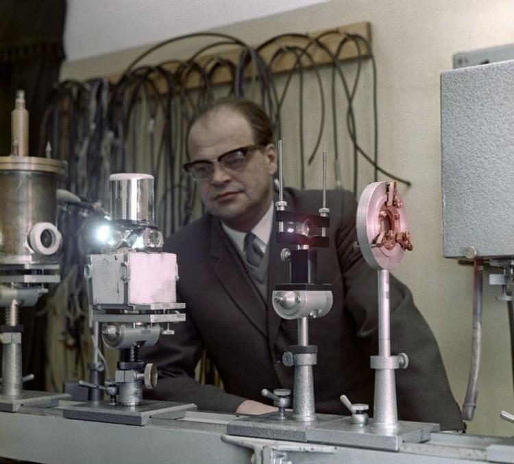 В последние годы жизни Николай Басов увлекся исследованиями по нелинейной оптике.
