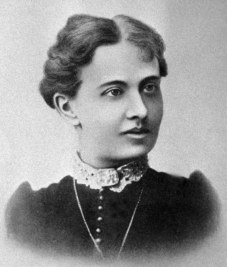 Софья Васильевна Ковалевская открыла женщинам дорогу в университеты и в точные науки.