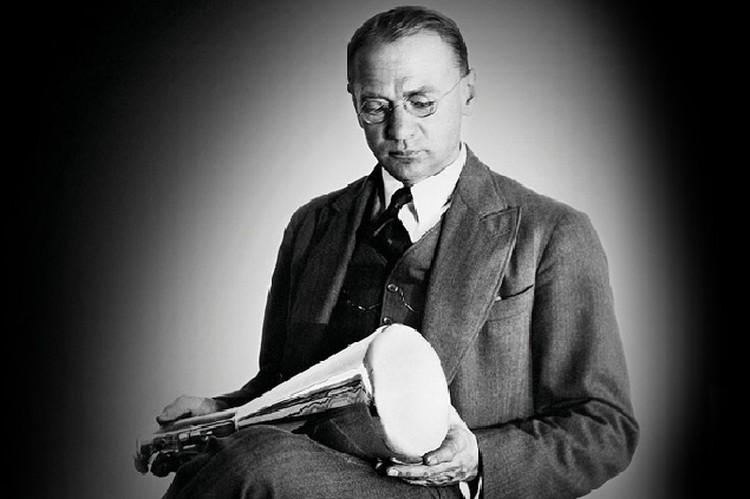 Когда американцы пытались присвоить Зворыкину титул «отца телевидения», он был раздражен: «Я изобрел кинескоп и ни на что другое не претендую!»