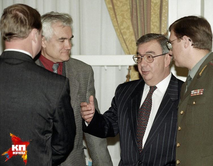 1990-е стали историей окончательно. И, увы, подводя итог, можно констатировать: «учение Примакова» принесло России громадную пользу