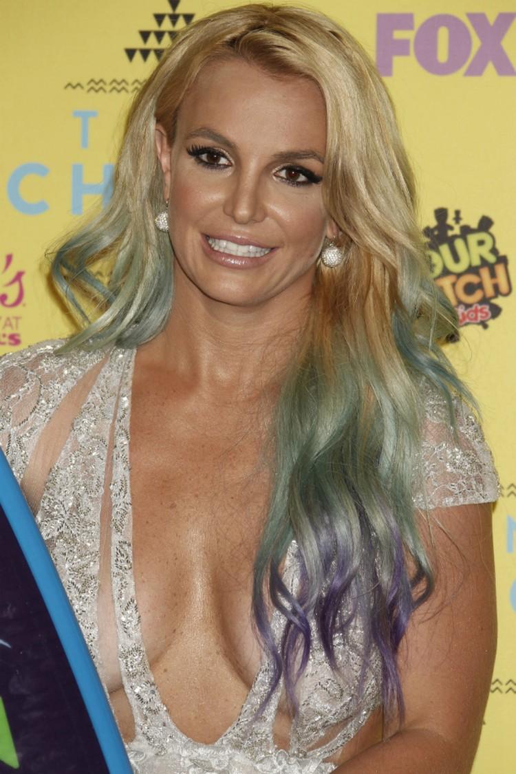 Teen Choice Awards — ежегодная премия, которая каждое лето вручается в Лос-Анджелесе телекомпанией Fox.