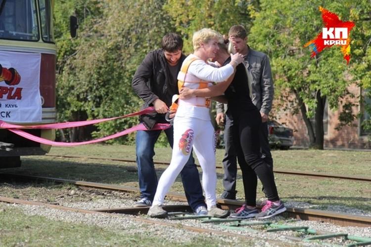 Тренер настраивает Оксану на победу.