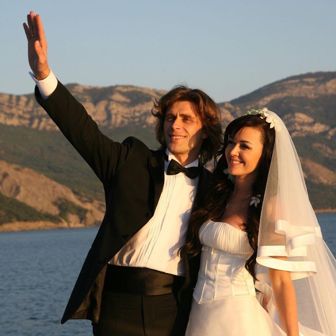 Чернышев и Заворотнюк венчались в Крыму