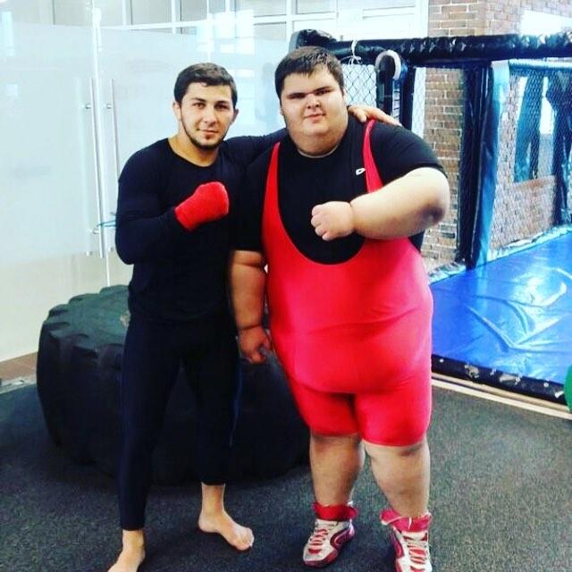«Самый толстый малыш в мире» Джамбулат Хатохов умер в возрасте 21 года, пытаясь похудеть