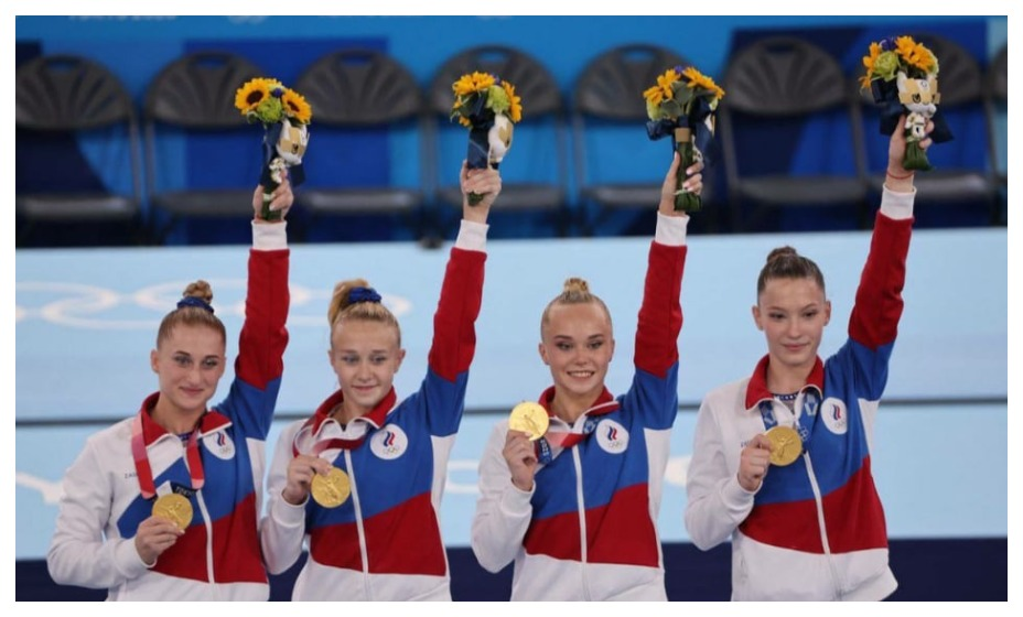 Долгожданная победа. Женская сборная России по спортивной гимнастике в командном первенстве - олимпийские чемпионки. Фото: ОКР