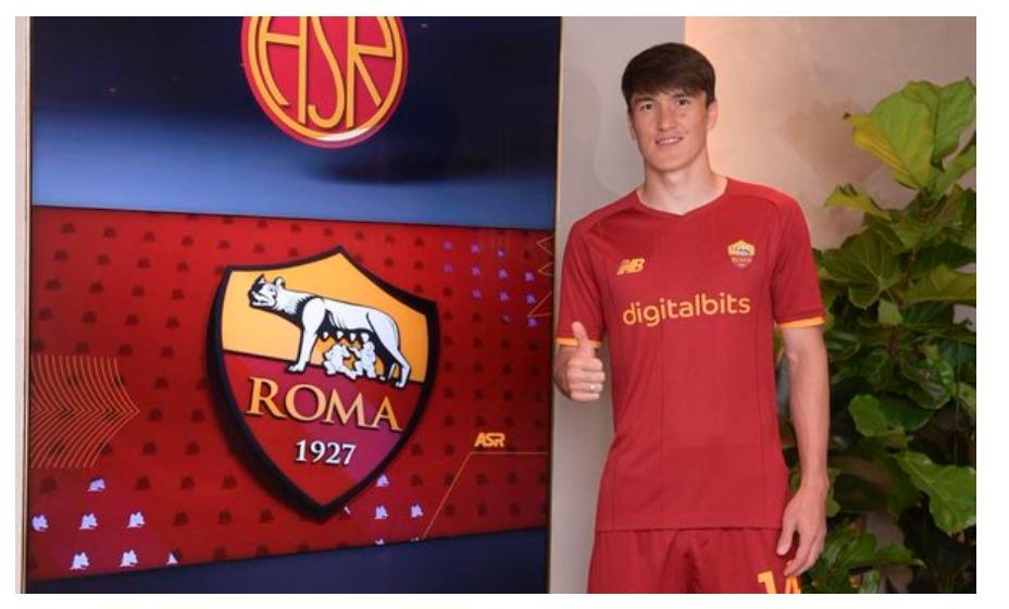 Эльдор Шомуродов стал игроком итальянской «Ромы». Фото: Twitter ФК Рома