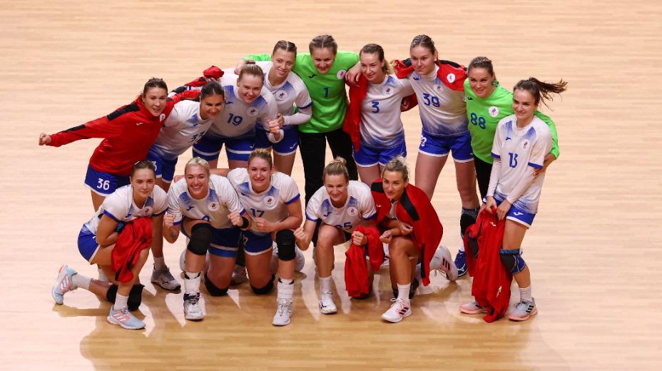 Сборная России по гандболу пробилась в полуфинал, где сыграла с норвежками. Фото: Reuters